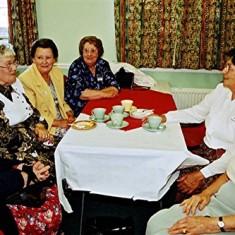 Left to right: Joan Norris, Irene Mutimer, Rita & Barbara Walton, Betty Peacock, Stella Coote | Geoff Webb