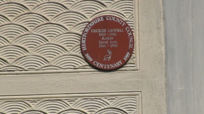 Red plaque erected in 1989 to commemorate the centenary of his life | Adam Jones-Lloyd