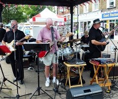 Hoddesdon Town Centre Classic and Vintage Car and Bike Show.