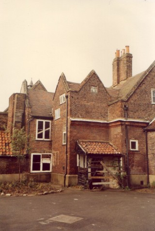 The original 1640 building before redevelopment c. 1986 | Jane Ruffell