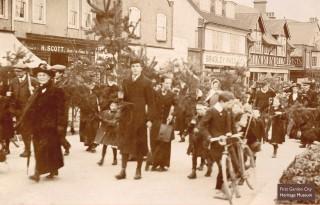 Arbor Day walk c.1911 | First Garden City Heritage Museum