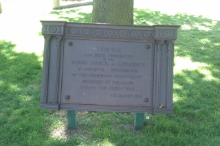 Resited and restored plaque from Belgian refugees in 1919. Howard Park. | John Birch