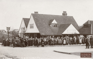 Outside the Skittles Inn, Arbor Day walk, 8th March 1913 | First Garden City Heritage Museum