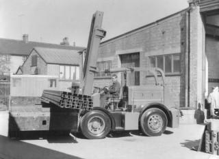 Shelvoke & Drewry Model 82 Freightlifter.