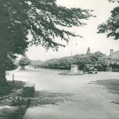 Sollershott Circus c.1935 | First Garden City Heritage Museum (ref. Broadway.16)