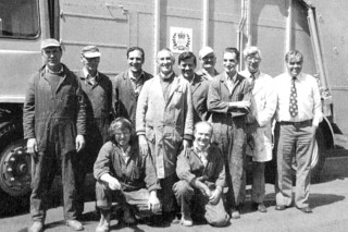 In1977 this 'N' series Revopak was painted in metallic silver to mark the Queen's Silver Jubilee Back row left to right:- Steffon, Frank Luffet, Jack Legate, Sid Raymond, Gerry Quin, Len Woods, Arthur Pearson, Ernie Charles (Paint Shop Supervisor) Pat Berket (No.2 Production Manager) Front row:- Neville Wylett, Derrick Downing.