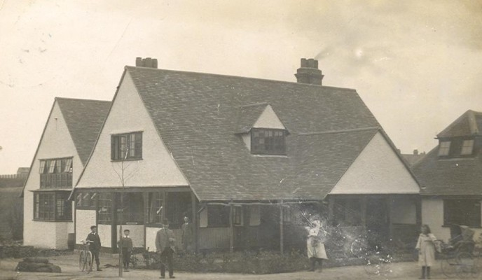 The Skittles Inn 1907 | Hertfordshire Archives and Local Studies