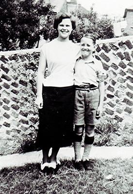 The Taylor Children   Geoff Webb