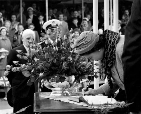 The Queen's visit in 1959 | Jol Pegrum