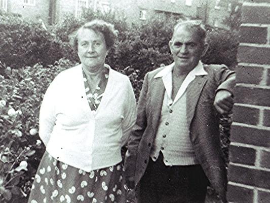 Eva & Dickie Cook | Geoff Webb