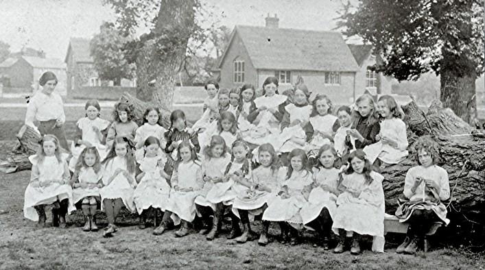 Girls School Class, 1914 | Geoff Webb
