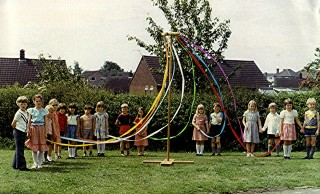 Infants School Maypole Dancers.1980. | Geoff Webb
