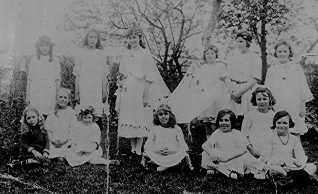 Girls School May Queen | Geoff Webb