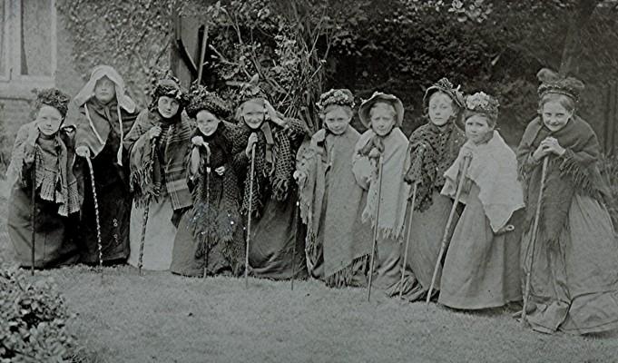 Girls School children, c.1915 | Geoff Webb