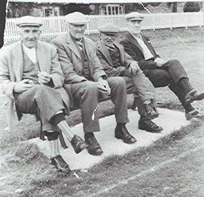 Cricket Spectators c.1950 | Geoff Webb