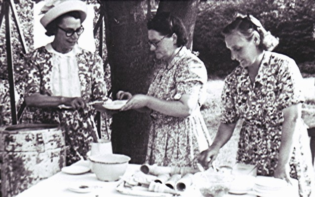 Left to right: Doris Peacock, Mabel Elsom and Charlotte Reading. | Geoff Webb