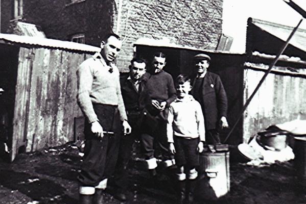 Left to right: Ron Heard, Tom Austin, Derek, Graham and Bill Heard. | Geoff Webb