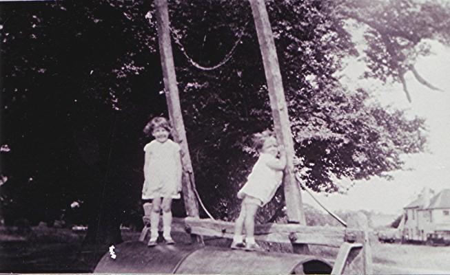 Stella & Bobby Higgins   Geoff Webb