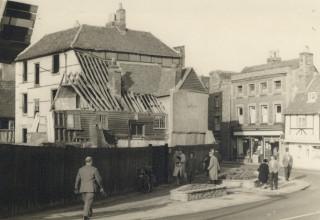 Demolition of The Saracen's Head, 1953   Hals