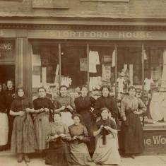 Servants at Stubbins Registry, Bishops Stortford, 1908 | Herfordshire Archives and Local Studies, Red: CV BIS/109