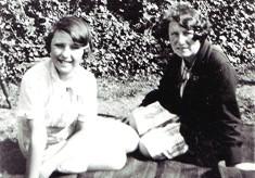 Joyce & Evelyn Simpson