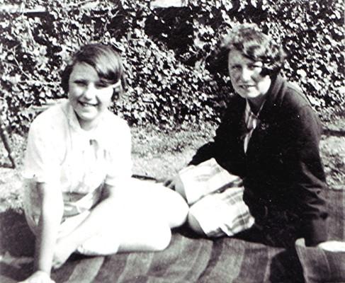 Joyce & Evelyn Simpson | Geoff Webb