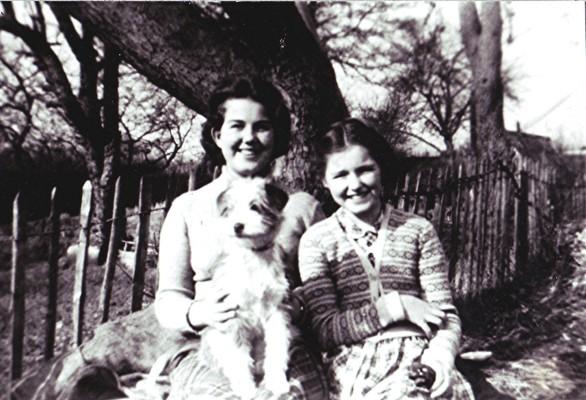 Audrey & Betty Darvell | Geoff Webb