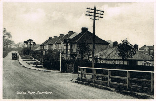 Station Road, Smallford | Creative Commons, Andy Lawrence's Photostream - https://www.flickr.com/photos/47716665@N02/with/7857313420/