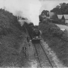 'Special' excursion train at Roundwood | © unknown, loaned by HLHS