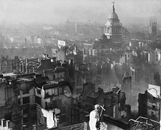 London in the Blitz, showing St Pauls | Public Domain