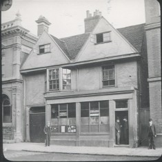 This was the Post Office until the new one was built in 1890. The building was then taken over by the Prudential Assurance Co. The corner of the National Westminster (previously Westminster) Bank can be seen on the left. | Hertfordshire Archives and Local Studies/Mr Elsden