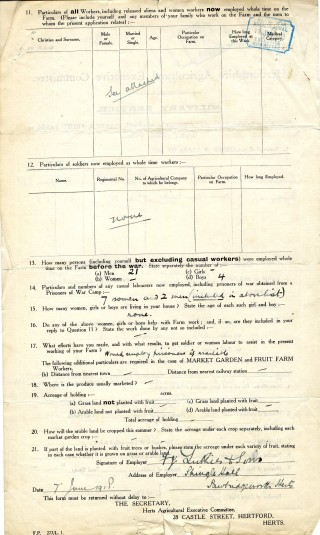Back of Military Service form showing work force before and during the war (AEC/120 box 27) | Hertfordshire Archives and Local Studies