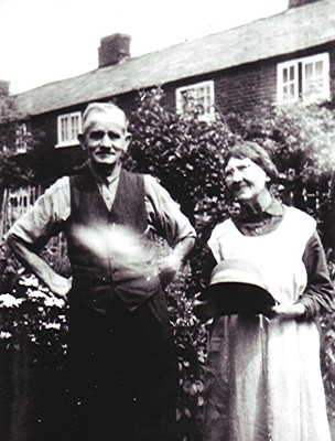 Thomas & Mabel Kent   Geoff Webb