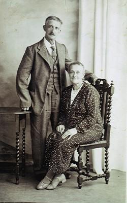Tommy & Ellen Lawrence   Geoff Webb