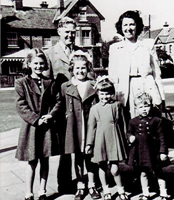 The Darvell Family   Geoff Webb