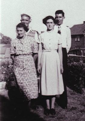 The Fry family   Geoff Webb