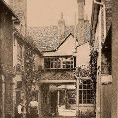 The George Yard, about 1900