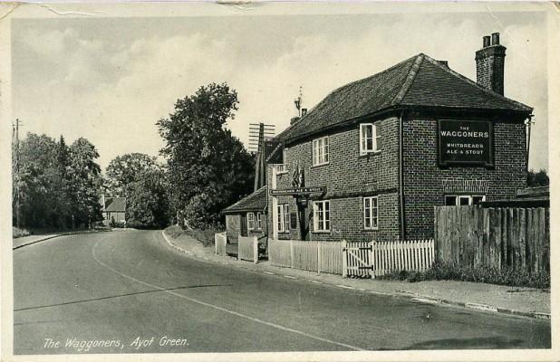The Waggoners PH at Ayot Green, 1946