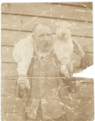 Thomas Currell, a farm labourer, born 'The Hill', Hitchin, 1866   Chris Allen - Great Grandson of Thomas