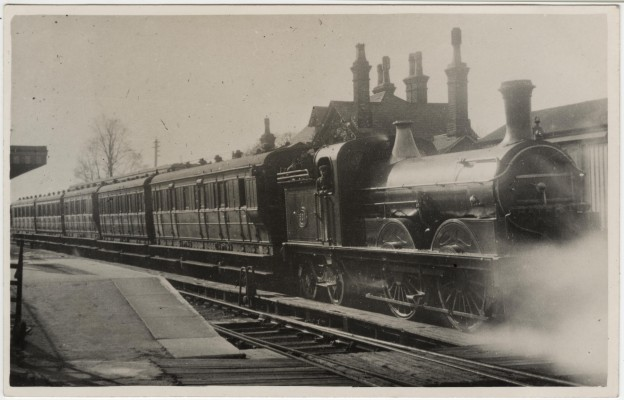 Long passenger train with GNR Class K 0-4-4T locomotive at Cole Green Station, before November 1911. | © LGRP, lent by Mr Eve