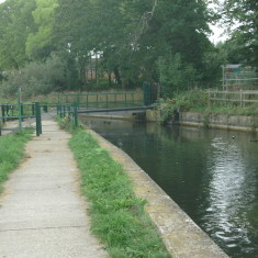 Cheshunt, footpath to Whitefields Rd | Nicholas Blatchley