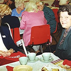 Vera Parsons (left) with her sister Barbara. | Geoff Webb
