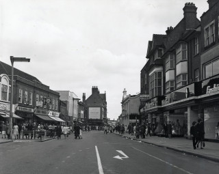 The High Street in 1964 | Hertfordshire Archives and Local Studies