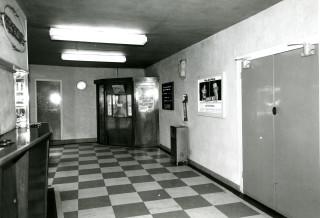 The lobby, 1971 | Photo: Kevin Wheelan