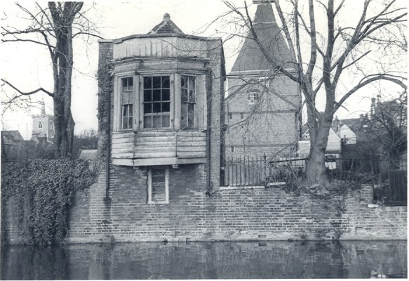 Gazebo in need of repair 1968 | Hertfordshire Archives and Local Studies