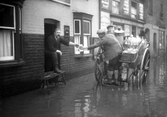 Floods in Watford High Street c1915