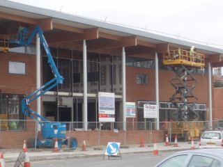 Watford Leisure Centre Central under construction | Beverley Small