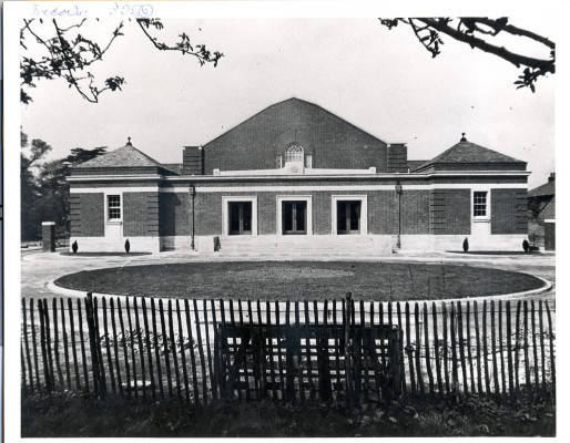 Watford Central Baths front view | Watford Central Library