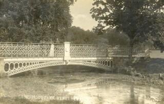 The white bridge in Gadebridge Park   Hertfordshire Archives and Local Studies