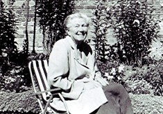 Winifred Stracey